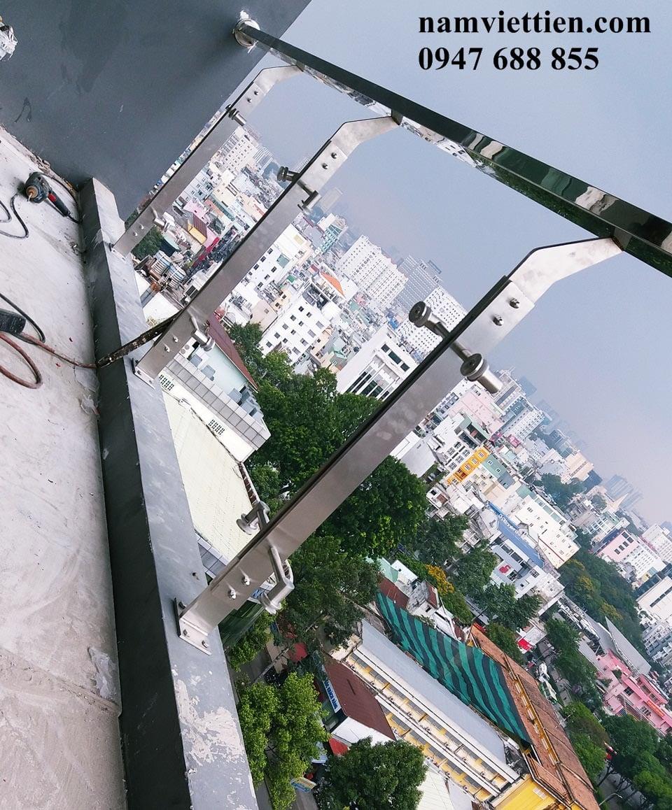 Cầu thang kính 8mm, 10mm, 12mm, 15mm, 20mm