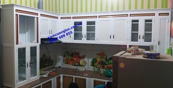 Mẫu tủ bếp nhôm kính sơn tĩnh điện đẹp nhất