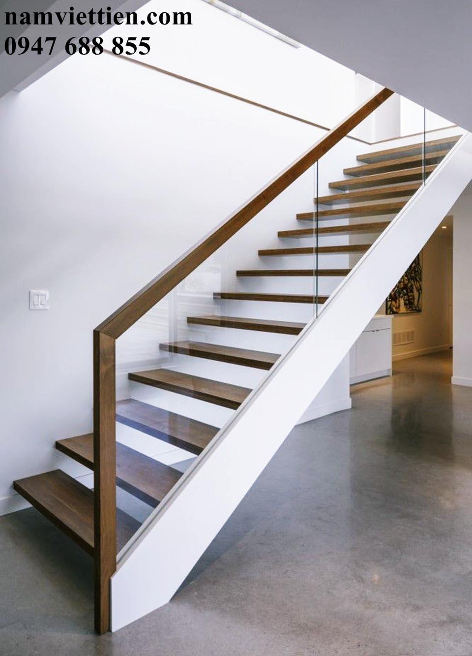 mẫu trụ cầu thang bằng gỗ tphcm