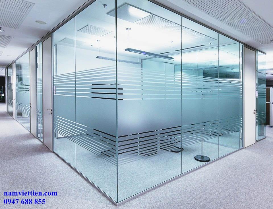 Mẫu vách kính văn phòng đẹp
