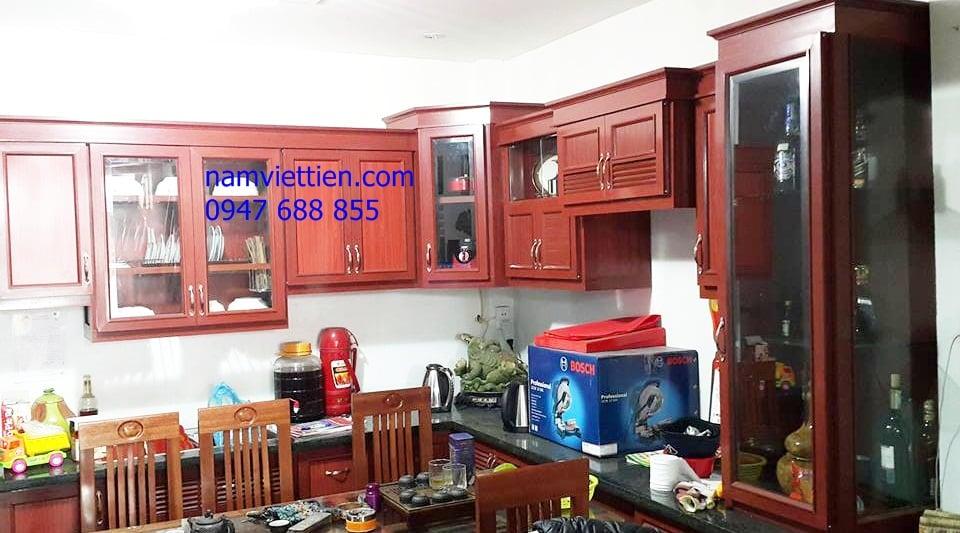 tủ bếp nhôm kính mẫu vân gỗ đẹp