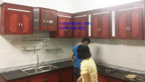 Tủ bếp nhôm kính giả gỗ cao cấp