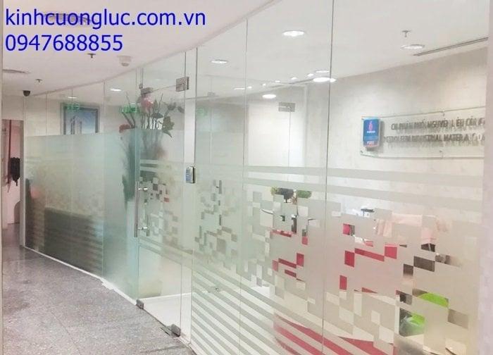 cua kinh ban le san gia re tphcm - Báo giá cửa kính cường mẫu 2020