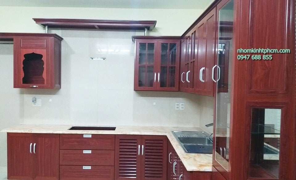 Tủ bếp nhôm kính giả gỗ đẹp giá rẻ hcm