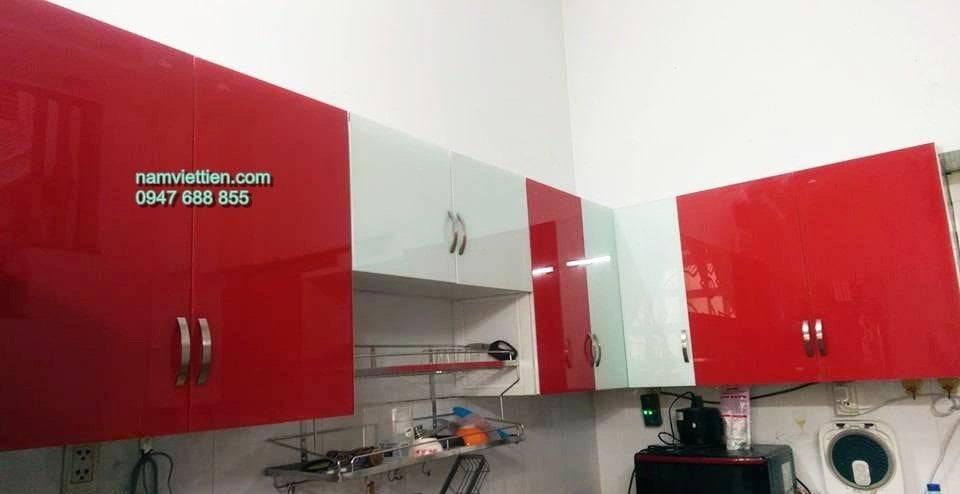 tủ bếp nhôm kính sơn tĩnh điện ốp kính màu