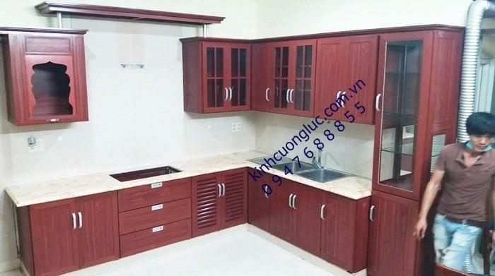 Tủ bếp nhôm kính vân gỗ hà nội