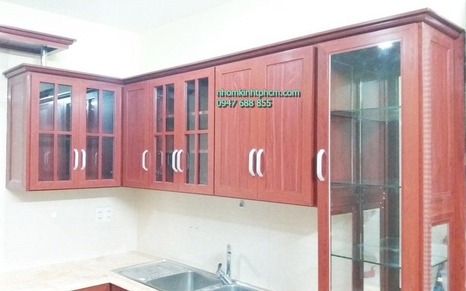 tủ bếp nhôm kính vân gỗ giá rẻ hcm