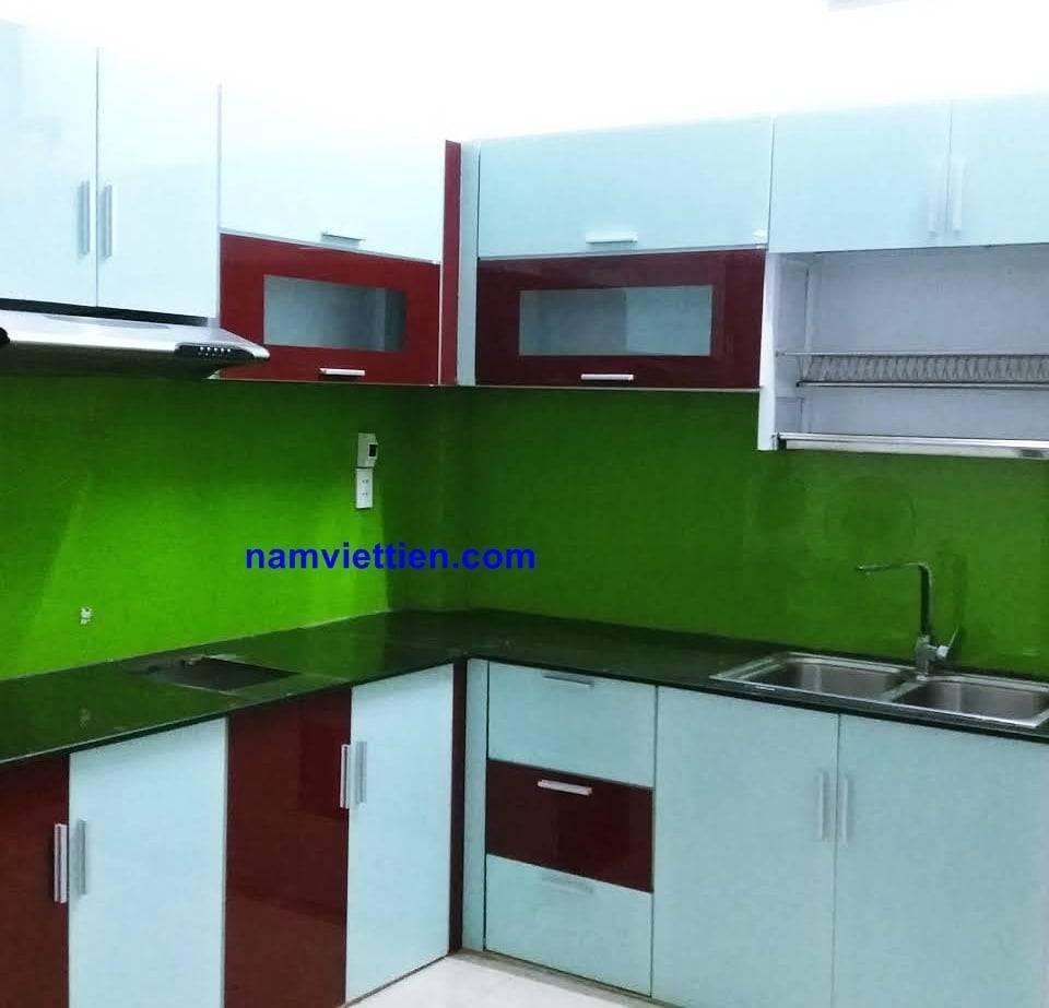 Tủ bếp treo tường nhô kính cao cấp