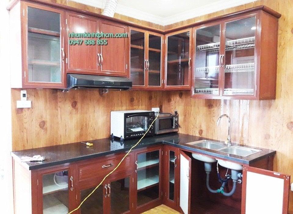 Tủ bếp nhôm kính giả gỗ giá rẻ hà nội