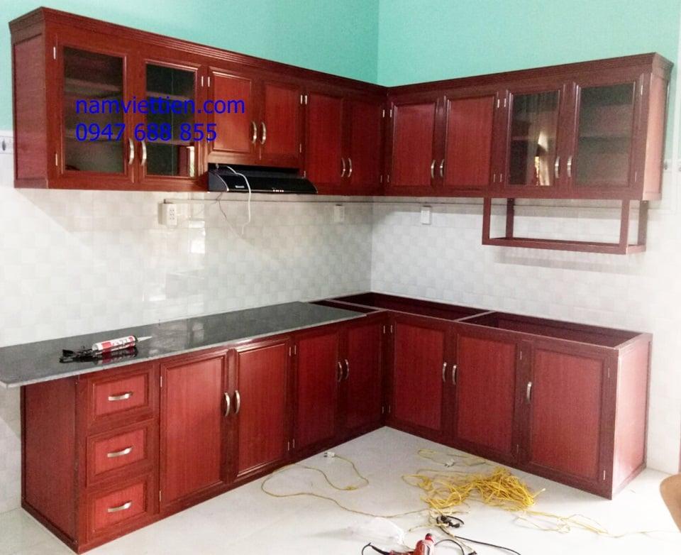 Kệ bếp nhôm kínhốp kính màu