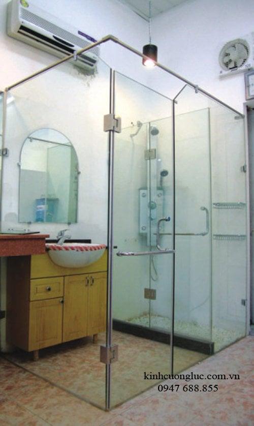 vach tam kinh 6 - Vách tắm kính hiện đại
