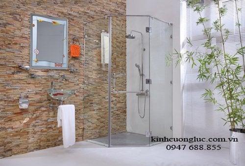 vach tam kinh 7 - Vách tắm kính hiện đại