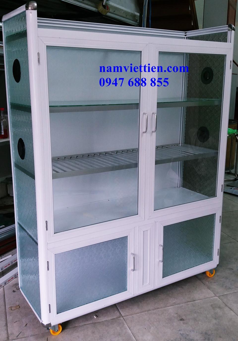 tủ bếp khung nhôm kính vân gỗ