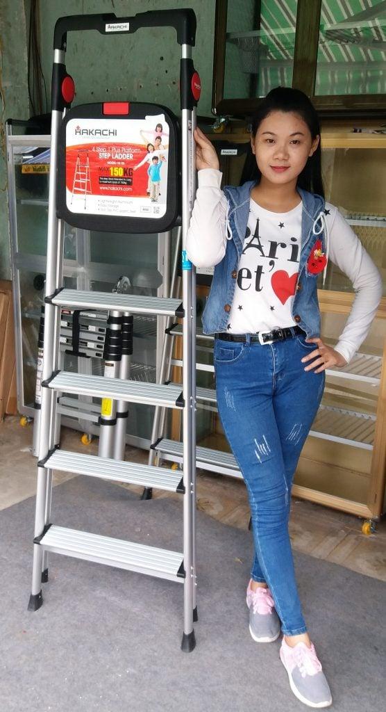 cua ban thang nhom hakachi chinh hang hcm 556x1024 - Thang nhôm ghế Hakachi HL-04 nhập khẩu