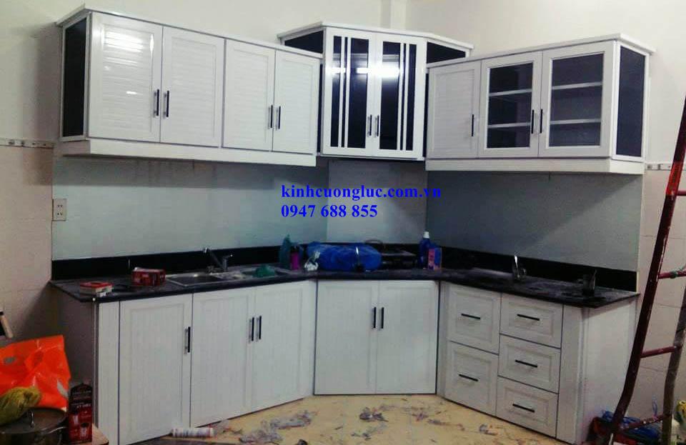 tủ bếp nhôm sơn tĩnh điện
