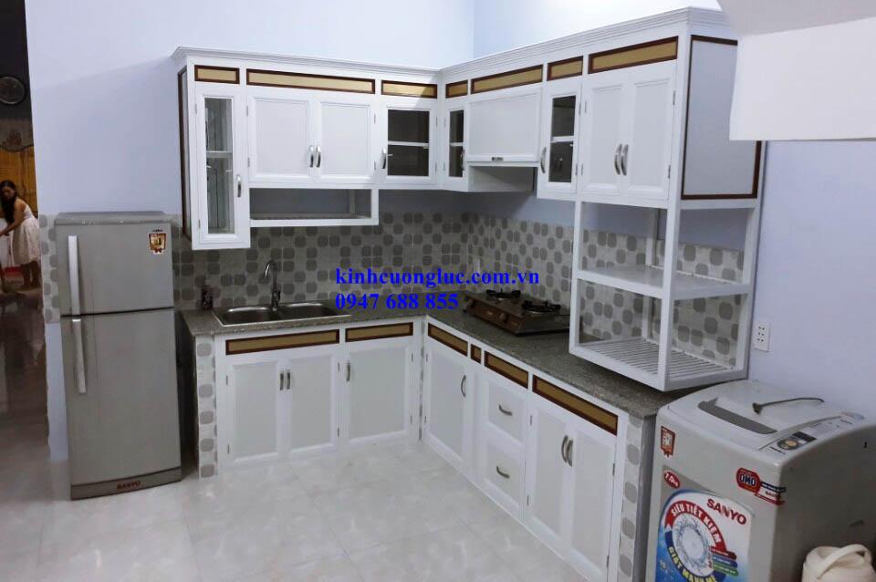 17 - Tủ bếp nhôm kính sơn tĩnh điện