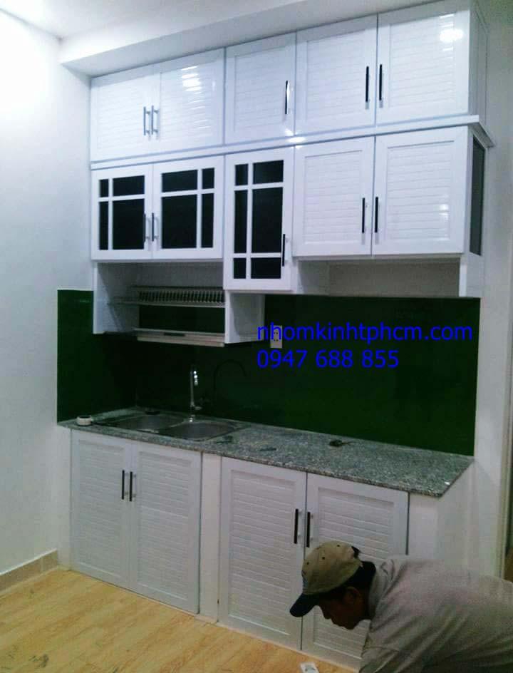 tủ bếp treo tường nhôm kính