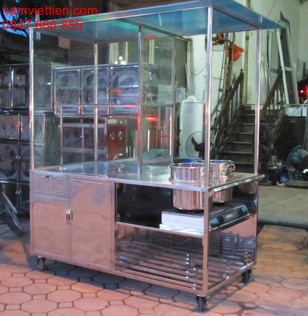tu ban pho bang inox 1 - Cửa hàng xe bán phở bằng kính nhôm inox
