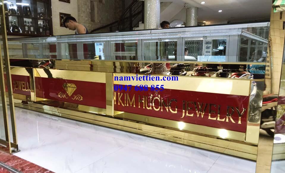 0c554edb87d0658e3cc1 - Các kiểu mẫu tủ bán vàng cao cấp