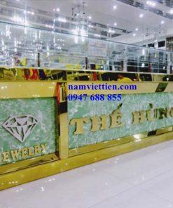 mẫu tủ bán vàng nhôm kính
