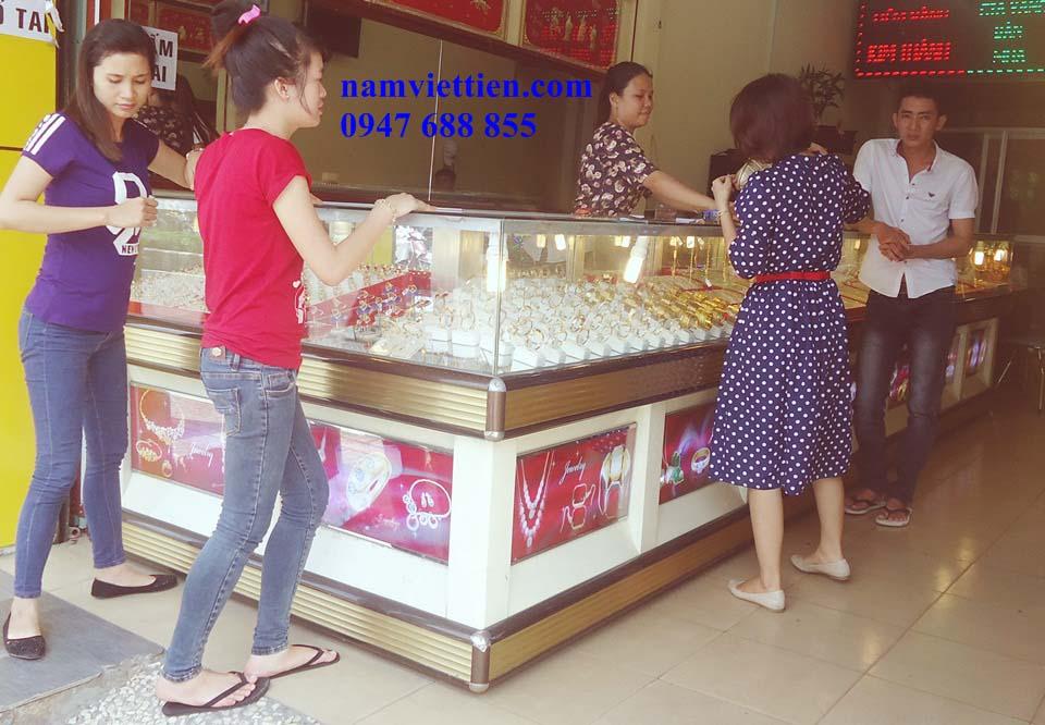 DSC01915 - Tủ trưng bày trang sức bằng nhôm