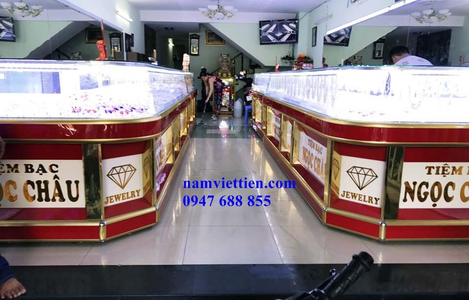 Tủ trưng bày đá quý nhôm kính