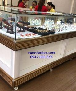 Các kiểu mẫu tủ bán vàng cao cấp