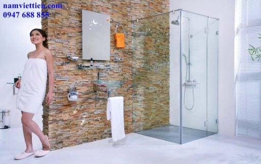 lắp đặt vách nhôm kính phòng tắm