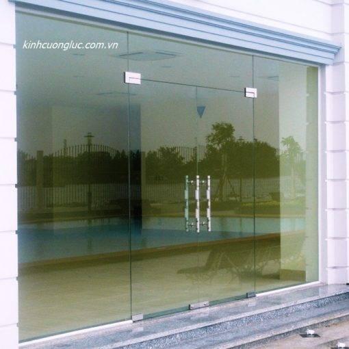 cửa kính thủy lực bao nhiêu tiền